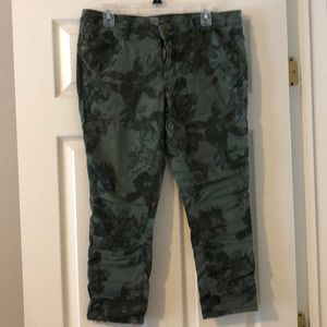 Green floral cropped jeans